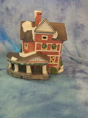 Dickens Keepsake Lighted Porcelain Hotel Inn Handpainted Christmas Village 1993