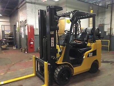 2012 Cat 6000 Lb  Forklift with Side Shift and Triple Mast