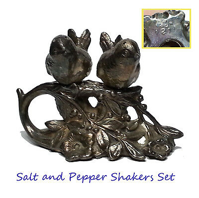 salt and pepper shakers in birds shape with stand metal 121 vintage collectible