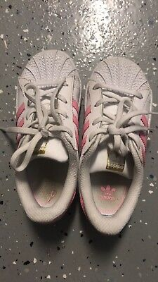 96d7aeec7efc Girls Toddler Adidas Superstar Shoes Sneaker White With Pink Stripes Size 10