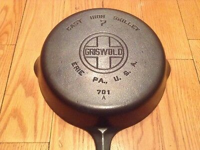 Vintage GRISWOLD Cast Iron SKILLET Frying Pan #7 LARGE BLOCK LOGO - Nice & Flat