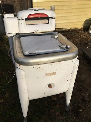 Vintage Maytag Square Tub Wringer Washer - E2L in Working Condition- see details
