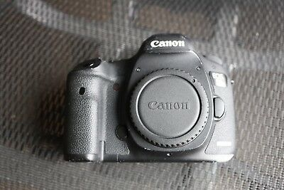 Canon EOS 5D Mark III Camera. Very used. Sold as is.