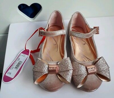 f69c19f3410c TED BAKER GIRLS Pink Velvet Bow Party Shoes Size 11 - £28.00 ...