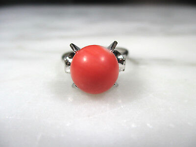 Vtg Chinese Rhodium Plated Silver Natural Salmon Momo Coral Ball Ring Size 6 3/4