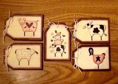 5 Handcrafted Wooden COUNTRY FARM ANIMALS Hang Tags/Ornaments/GiftTags SETt1