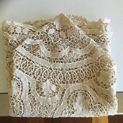 TABLECLOTH - LACE CIRCULAR - VINTAGE ROUND TABLECLOTH - 160cm - VERY HEAVY LACE