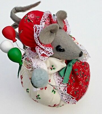 VINTAGE FABRIC Christmas STUFFED CALICO HANDMADE ORNAMENT Mouse w/ Balloons
