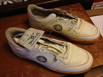 Elite Star Spaulding size 17 1/2 sneaker never been worn