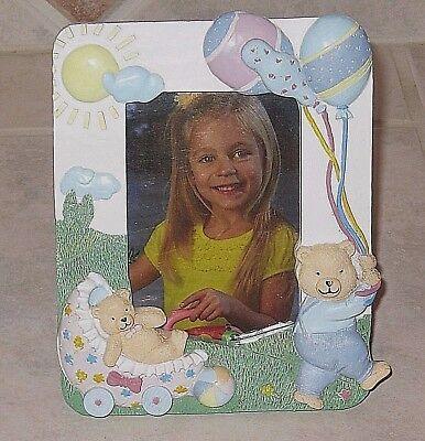 """Pretty Pastel Sculpted Teddy Bears Photo Frame for 4""""X 5"""" Photo-Mint Condition"""