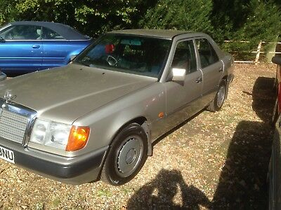 1991 Mercedes 230E Automatic 74000 Miles Timewarp Condition