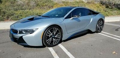 2014 BMW i8 Pure Impulse World 2014 BMW i8 Pure Impulse World Low Miles Like New 1 Owner!