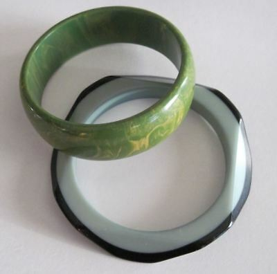 2 Vintage Bangle Bracelets Bakelite Marbled Green & Yellow Chunky