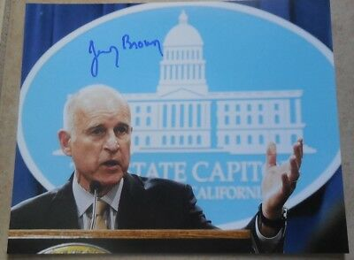 Jerry Brown Signed Photo 8X10 #2 California Governor Proof