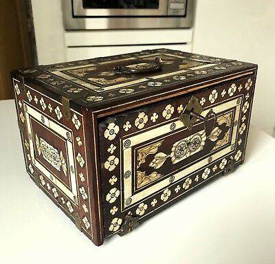 A small indo-portugese cabinet. Late 17th century.