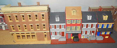 N SCALE 4 Townhouses and a Corner Shop Building(hand painted)