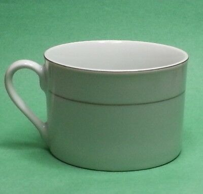 Coffee Cup Gibson Everyday White Gold Trim Small Chip Microwave Dishwasher Safe