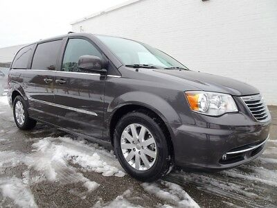 2016 Chrysler Town & Country Touring 2016 Chrysler Town & Country Touring Minivan/Van Used 3.6L V6 24V Automatic FWD