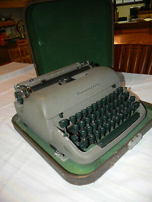 Vintage Remington Quiet Riter Portable Typewriter w/Case Not Serviced  Fast Ship