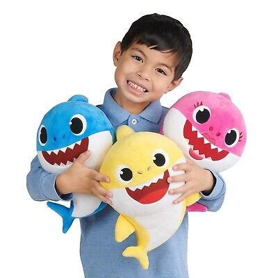 New PINKFONG Baby Shark Set English Singing Plush Daddy, Mommy And Baby Included