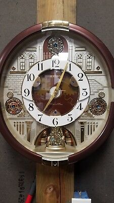 Seiko Swarovski Melodies in Motion Clock Classic & Holiday Songs Music Box