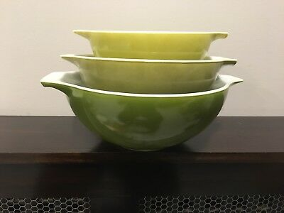Vintage Pyrex Set Of 3 Avocado Verde Green To Yellow Cinderella Nesting Bowl Set