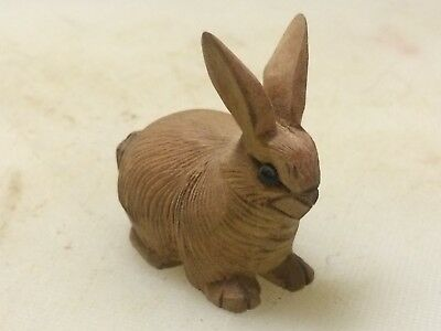 (MID-20th c) SWISS /BLACK FOREST HAND CARVED MINIATURE OF A RABBIT