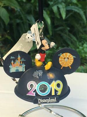 Disney Parks Disneyland 2019 Mickey & Friends Light Up Ear Hat Ornament NWT