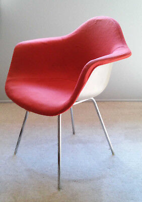 Eames Vintage HERMAN MILLER Shell FIBERGLASS CHAIR Red / Orange Upholstery