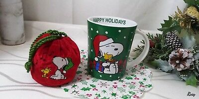 Snoopy Mug Christmas Happy Holidays Peanuts Green Coffee Cup Gibson & Red Pouch