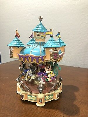 Sir Mickey to the Rescue - music box Disney