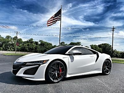 2017 Acura NSX TECH CERAMIC BRAKES 1500 MILES SPORT SEATS RED CAL NSX*CERAMIC BRAKES*TECH*SPORT*RED CALIPERS*1500 MI*1 OWNER*CARFAX CERT*FLA