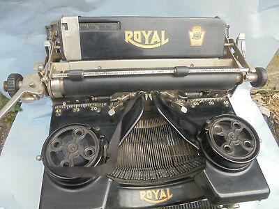 29501 Schreibmaschine typewriter ROYAL  good working