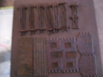 Plasticville Vintage Log Cabin With 6 Fence Pieces And 1 Gate