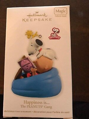 2011 Hallmark Ornament Happiness is... The Peanuts Gang Magic Sound New