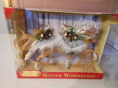 2017 Holiday Breyer Winter Wonderland Christmas Horse Traditional Scale 700120