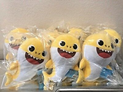 Pinkfong Yellow Baby Singing Shark by WowWee 100% Authentic US Song English NEW