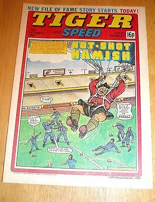 Tiger Comic 17/10/1981 With  Leicester City  Team Centrefold Poster