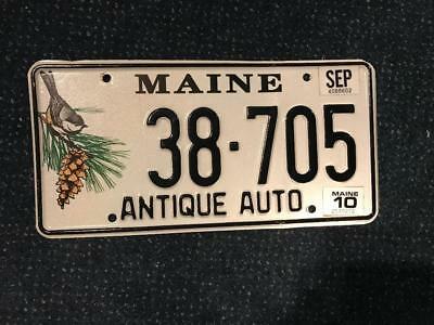 Vintage Maine Antique Auto License Plate 38-705 Chickadee ME tag pine cone