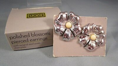 Vintage AVON 1987 Polished Blossoms Silver Tone Pierced Post Earrings NOS in Box