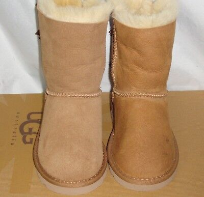 3b7b34dd8ad UGG AUSTRALIA BAILEY BOW Chestnut Suede Boots TODDLER Size US 10 NEW #3280 T