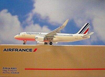 Herpa Wings 1:500  Airbus A320  AIRFRANCE F-HEPH  530606  Modellairport500