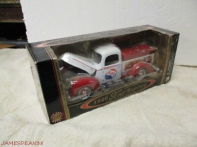 Golden Wheel Pepsi-Cola 1940 Ford Pickup Truck 1:18 Diecast BANK IN BOX
