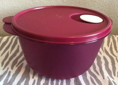 Tupperware Crystalwave Microwave Bowl 8 1/2 Cups Fuchsia Large Bowl New