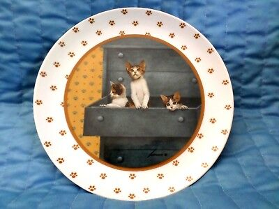 "Vintage 1988 Vandor Lowell Herrero 7.75"" Cat Plate Cats in Dresser"