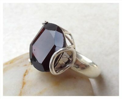 925 Sterling Silver GARNET Semi Precious GEMSTONE RING SIZE P - US 7 3/4