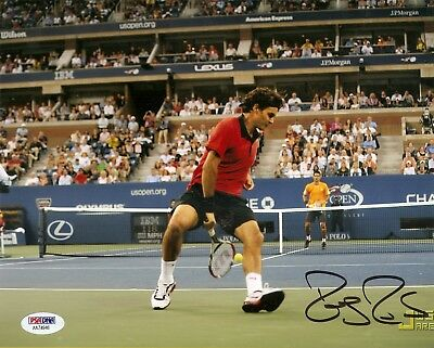 Roger Federer Wimbledon Tennis Signed Auto 8x10 PHOTO PSA/DNA COA