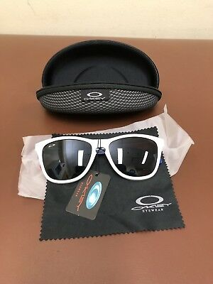 7416afc8c6bc66 New with Tags Oakley Frogskin Sunglasses Red White and Blue with case and  cloth