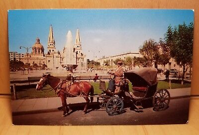 W15) Postcard CALANDRIA 19TH Century Carriage city tour horse drawn fountain