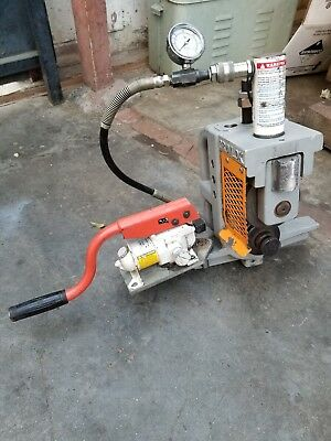 Gruvlok 3006c Roll Groover  and hydraulic pump with pressure gauge